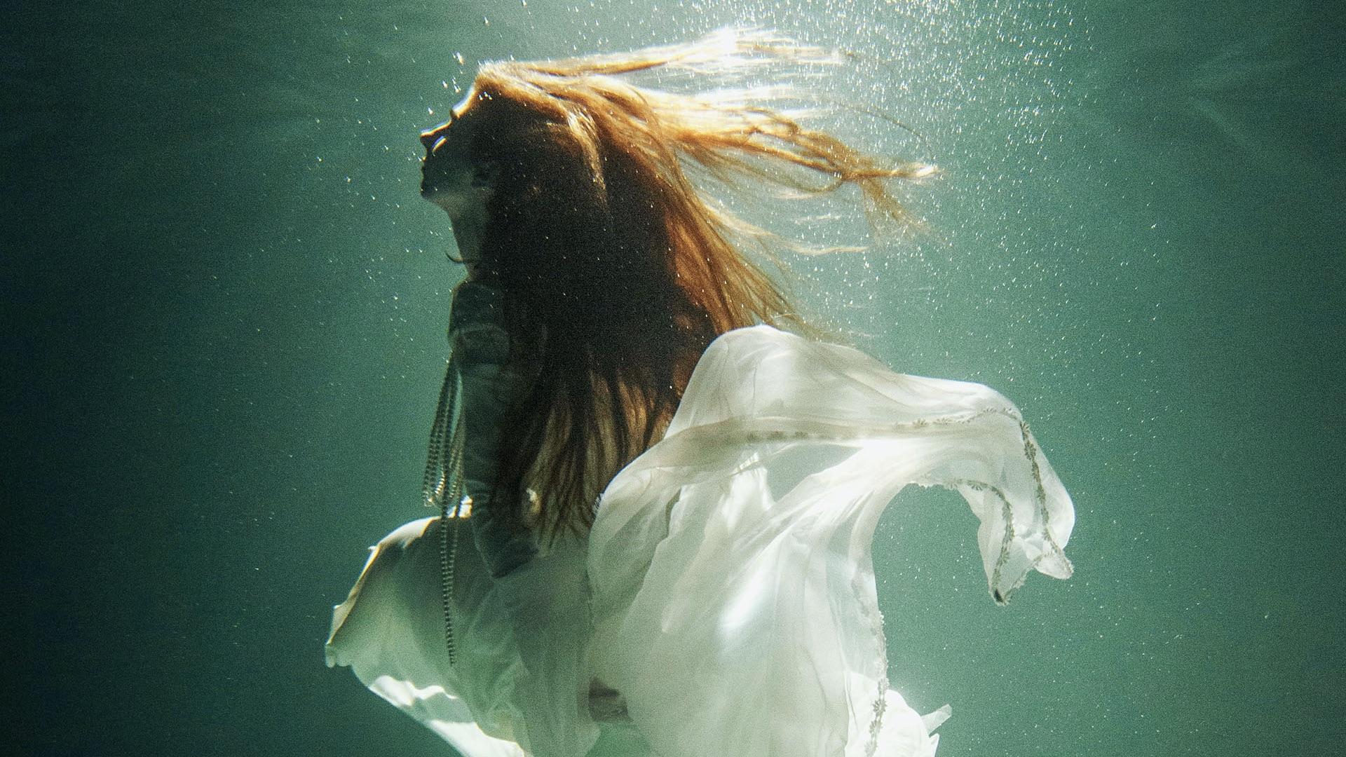 Licensing Contributor Marie Dashkova on creating romantic, conceptual photos