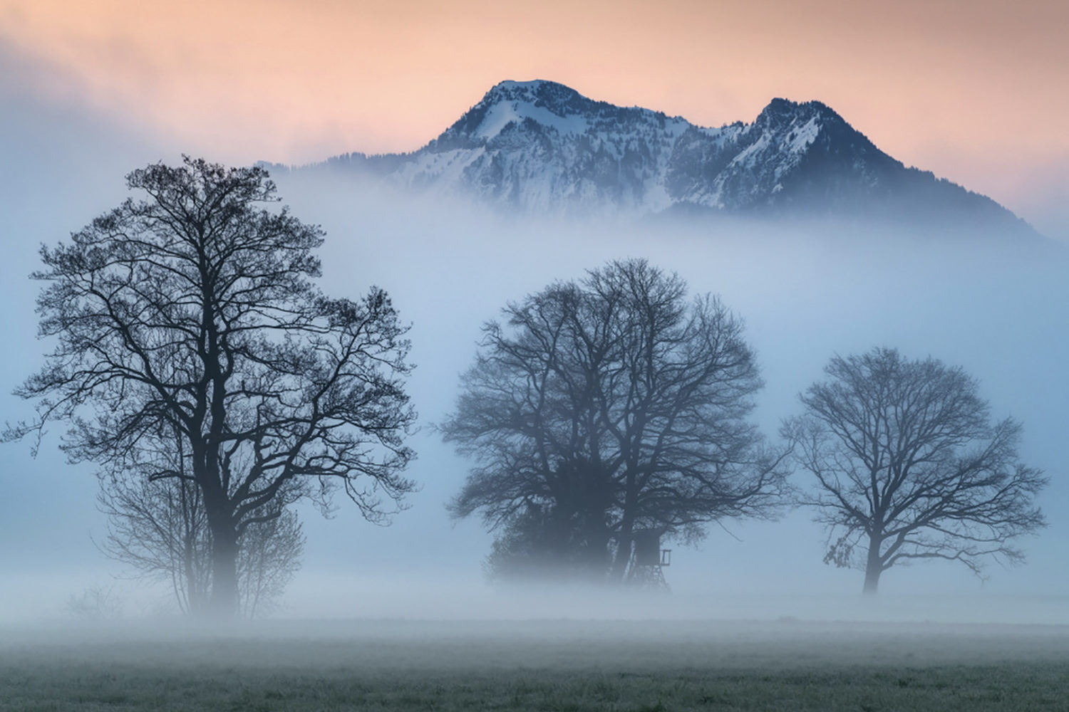 How to create ethereal photos on misty mornings