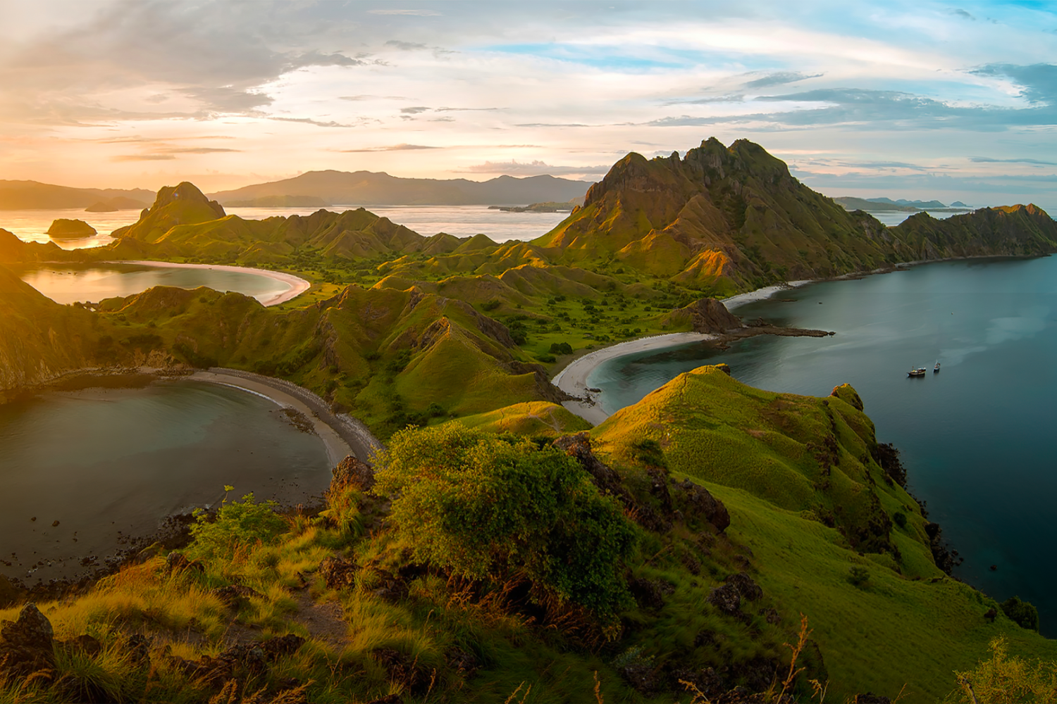 Win a luxury yacht trip in Indonesia + exhibit your work